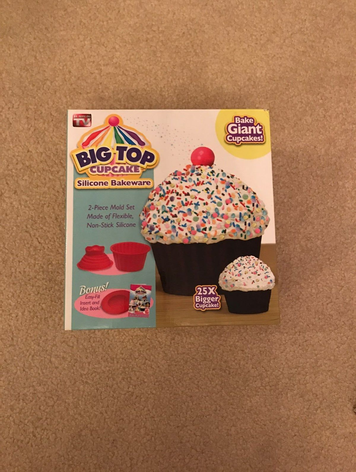 big top cupcake cake silicon molds on Mercari