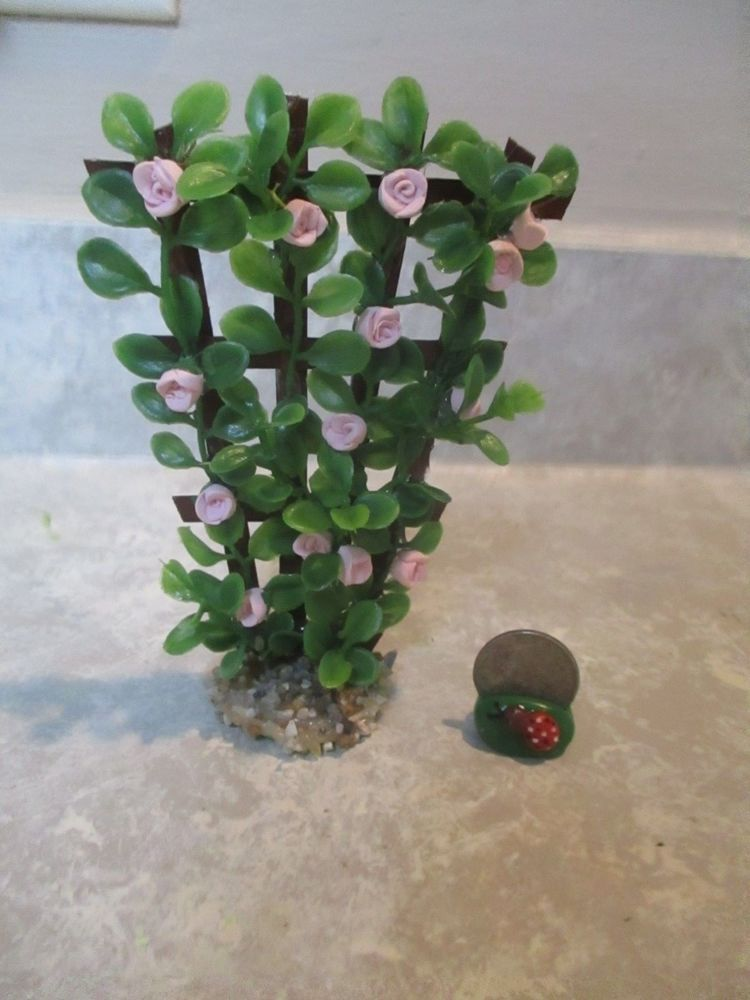 "Tiny Miniature doll//dollhouse 5 1//2/""h Magenta Rose//berry trellis//NO BASE"