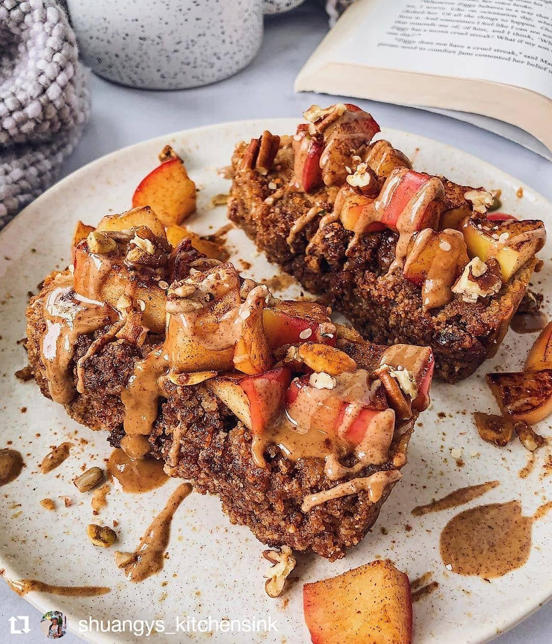 Apple Bread topped with warm spiced apples 🍎 and drizzly nut butta!!: . - Apple Sauce 🍎 - Eggs - Maple Syrup 🍁 - Almond Butter - Almond Flour - Tapioca Flour - Apple 🍏 Pie Spice . .Follow👉@thetabletalkfood