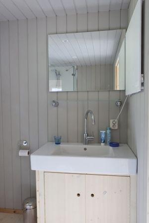 badkamer | Caravan | Pinterest - Stacaravan, Badkamer en Hout