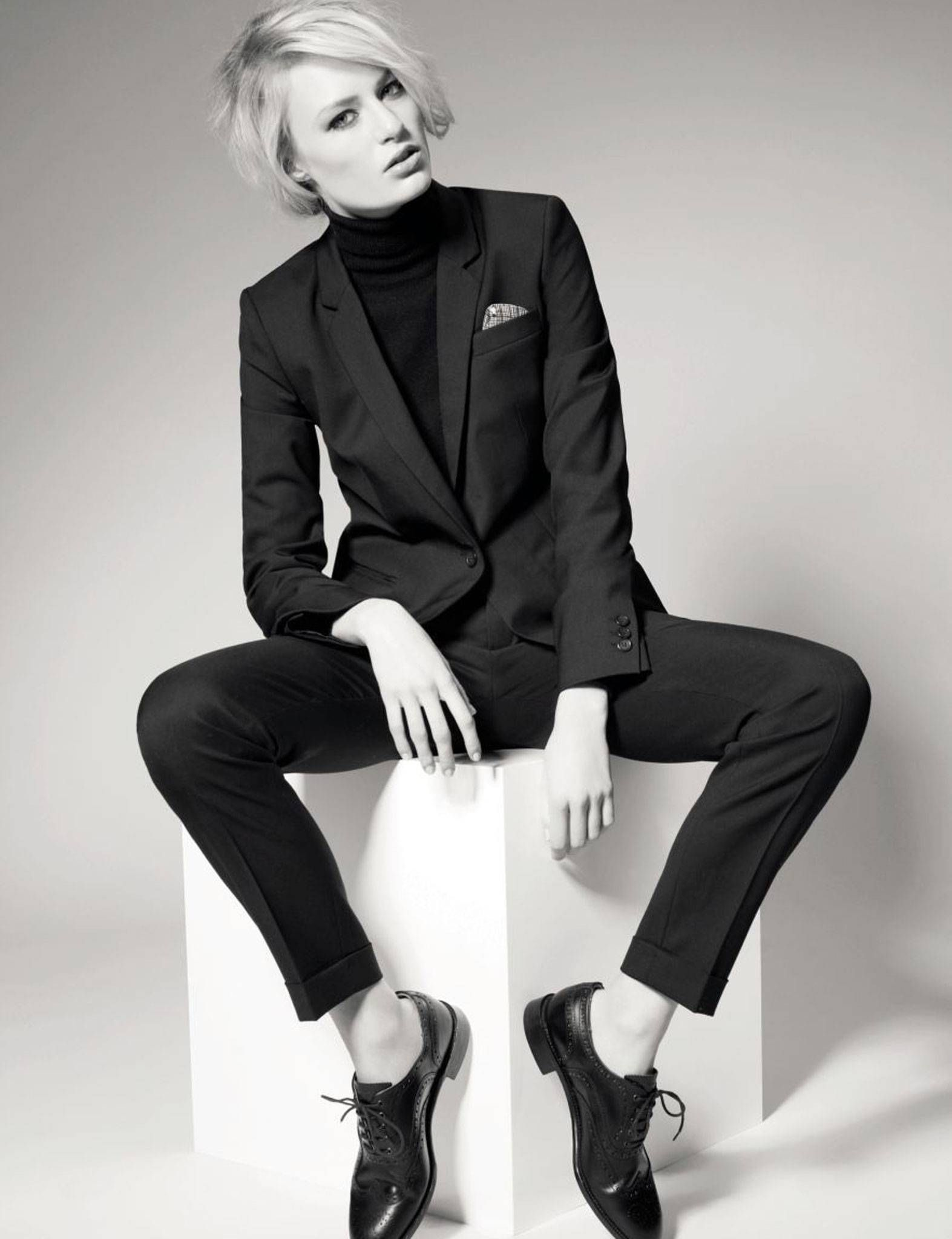 968c0319e46bc women in suits - Google Search