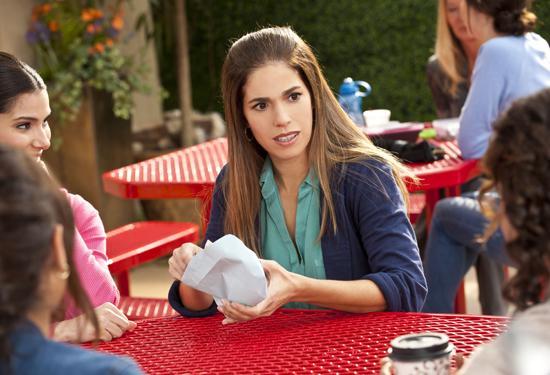 devious maids season 2 episode 1 sockshare