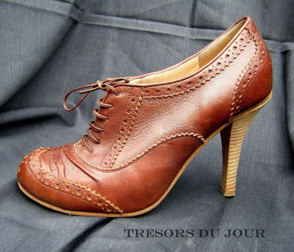 Galliano Wingtip High Heel Oxford Shoes, Size 9 Vintage Galliano from Paris