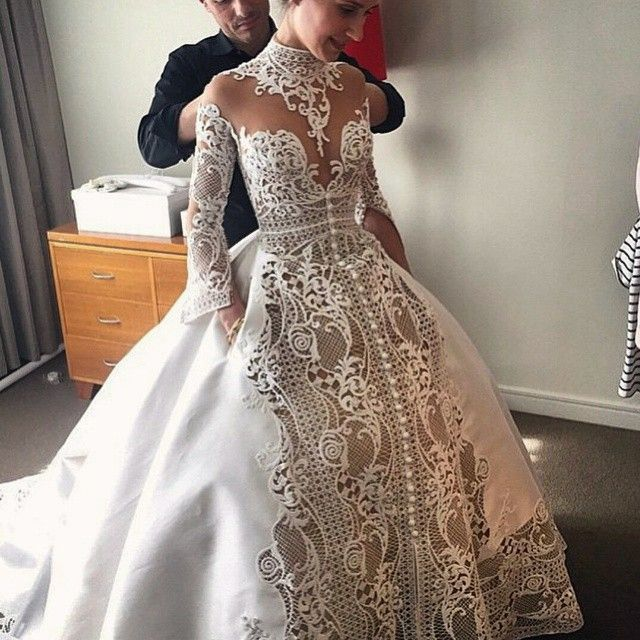 Wedding Dress w Pockets @jatoncoutour Wedding Dress inspiration  Remycelebrityhair.com Get inspired love the look #wedding #weddingdress #white #offwhite #cream #hairblog #lace #special #famous #want...