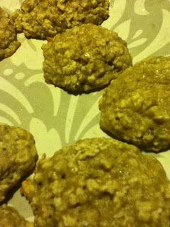 the world as best i know it: Banana Oatmeal Bread Bites