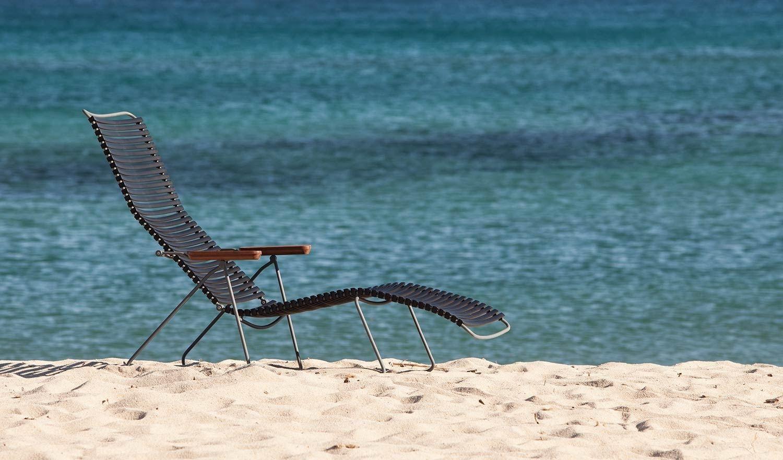 Houe Click Sunlounge Liegestuhl Petrol Outdoor In 2020 Sonnenliege Liegestuhl Und Design Bestseller