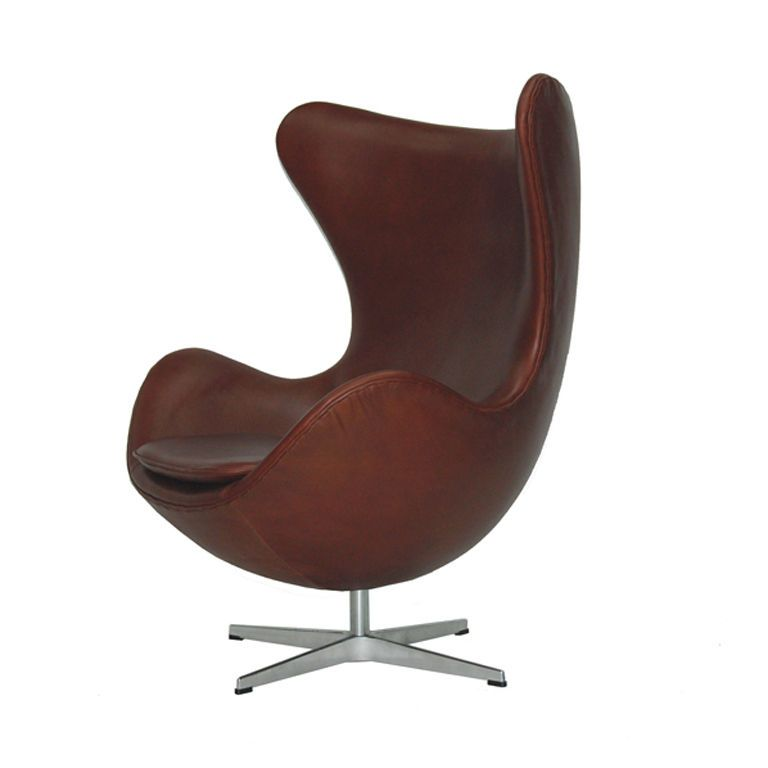 Egg chair by arne jacobsen egg chair and arne jacobsen for Chaise arne jacobsen