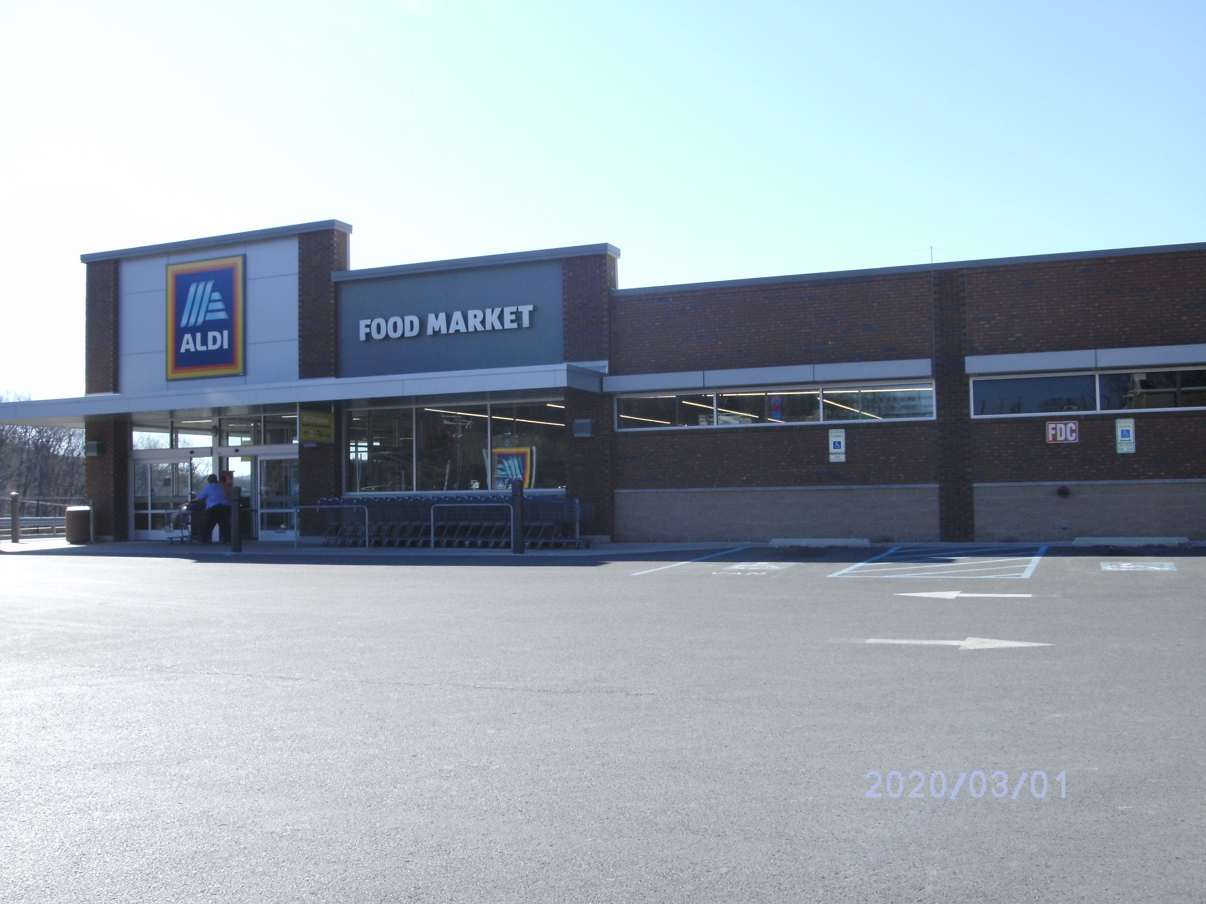 Aldi, LaVale (Cumberland), Maryland. grocery store. in