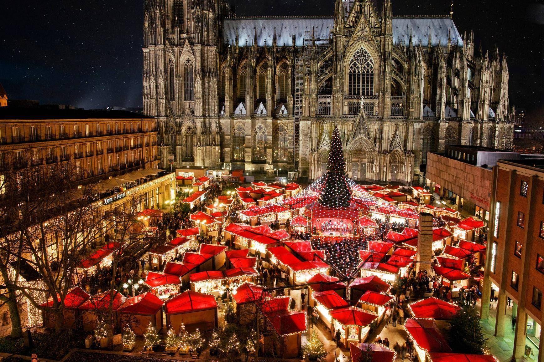 Weihnachtsmarkt In Koln Nordrhein Westfalen Christmas Market Christmas In Germany German Christmas Markets
