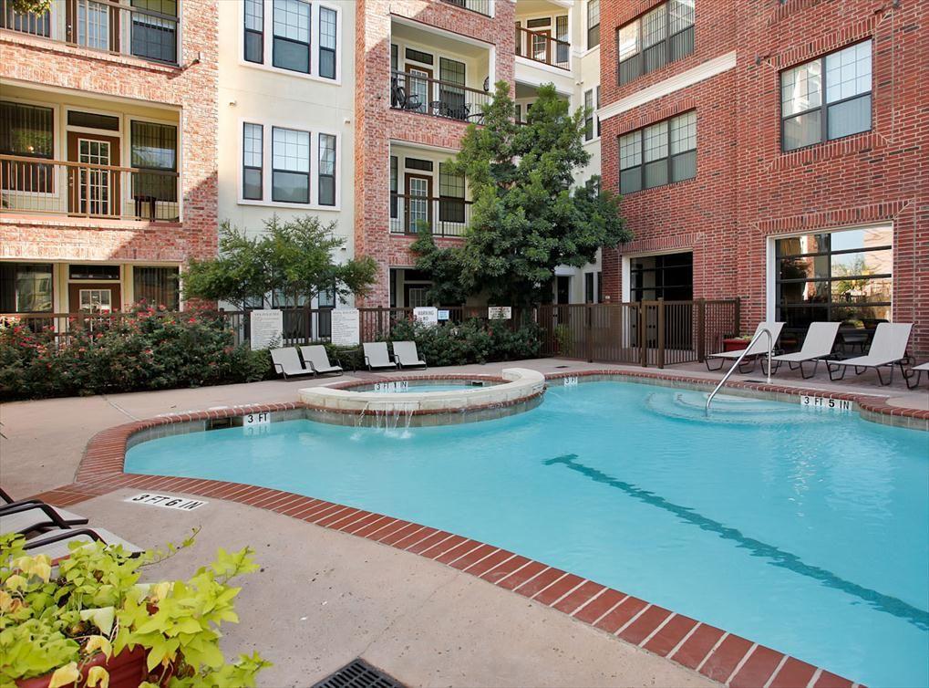 Luxury Apartments In Austin Tx At Amli Eastside Austin Apartment Downtown Austin Apartments Eastside