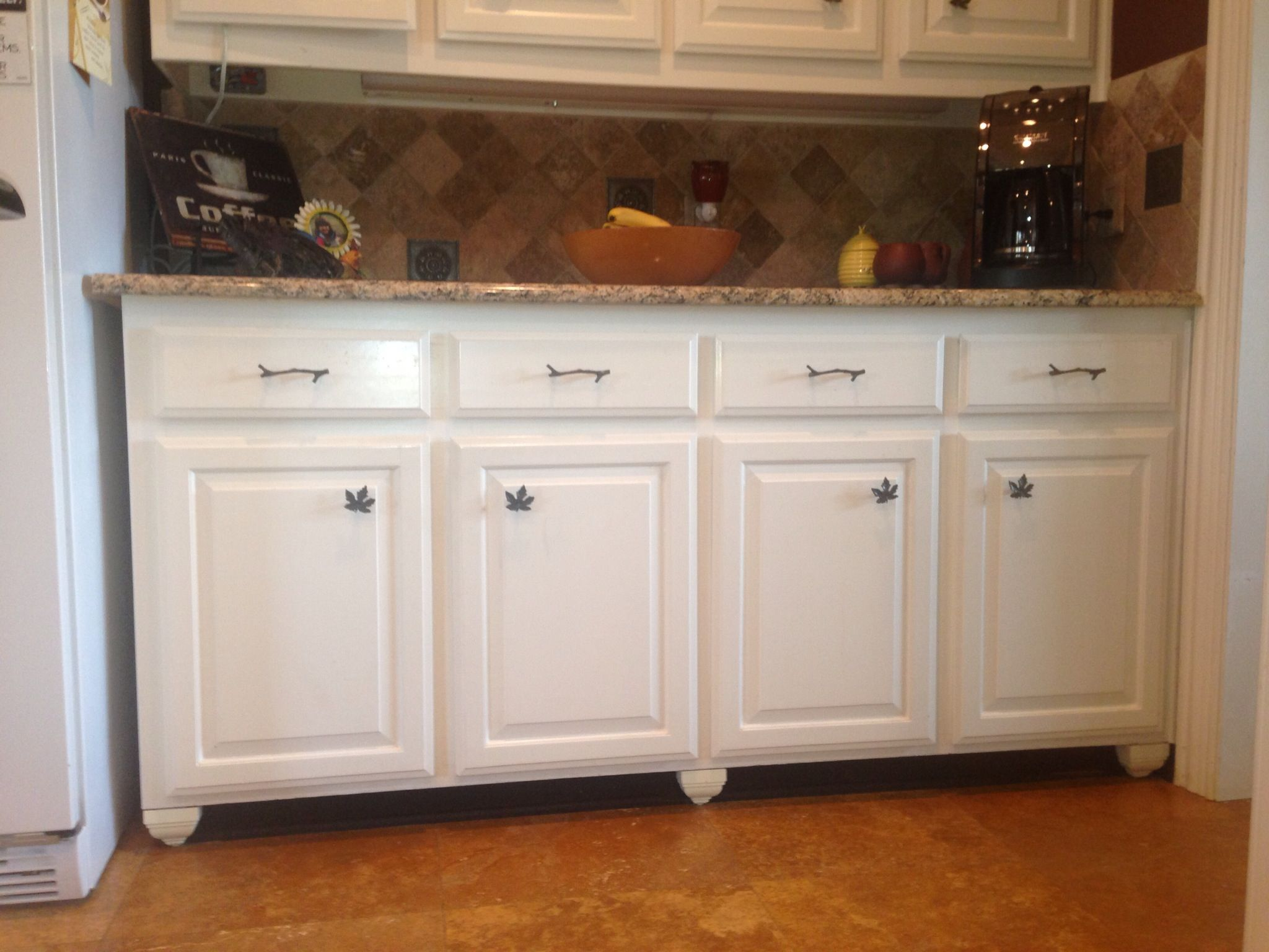 Make built ins look like free standing furniture paint for Kitchen cabinets that look like furniture