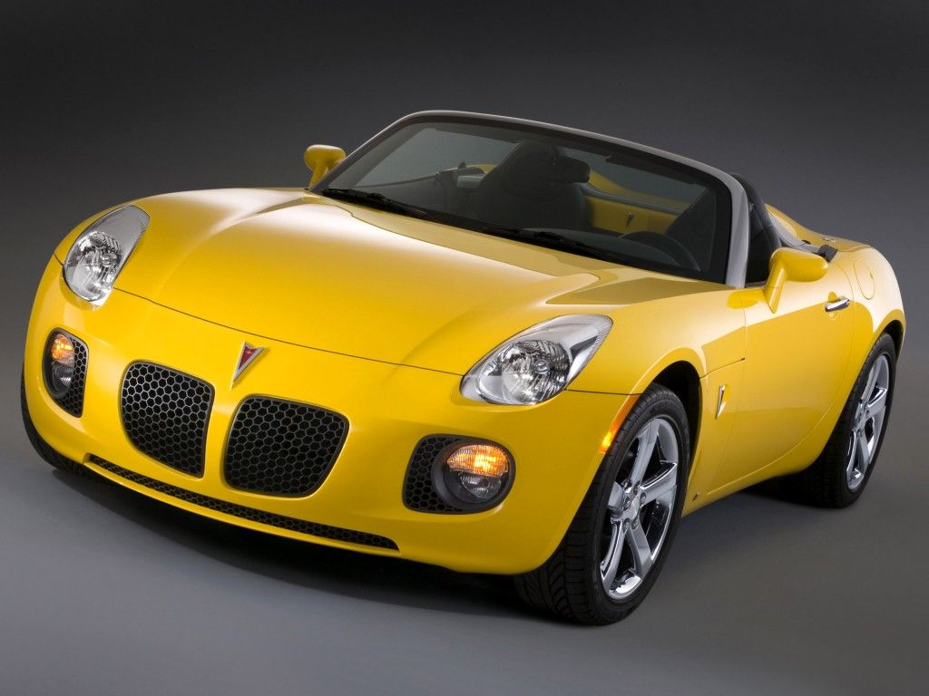 Pontiac Solstice <3 <3 <3..This WILL be my first car...going to have ...