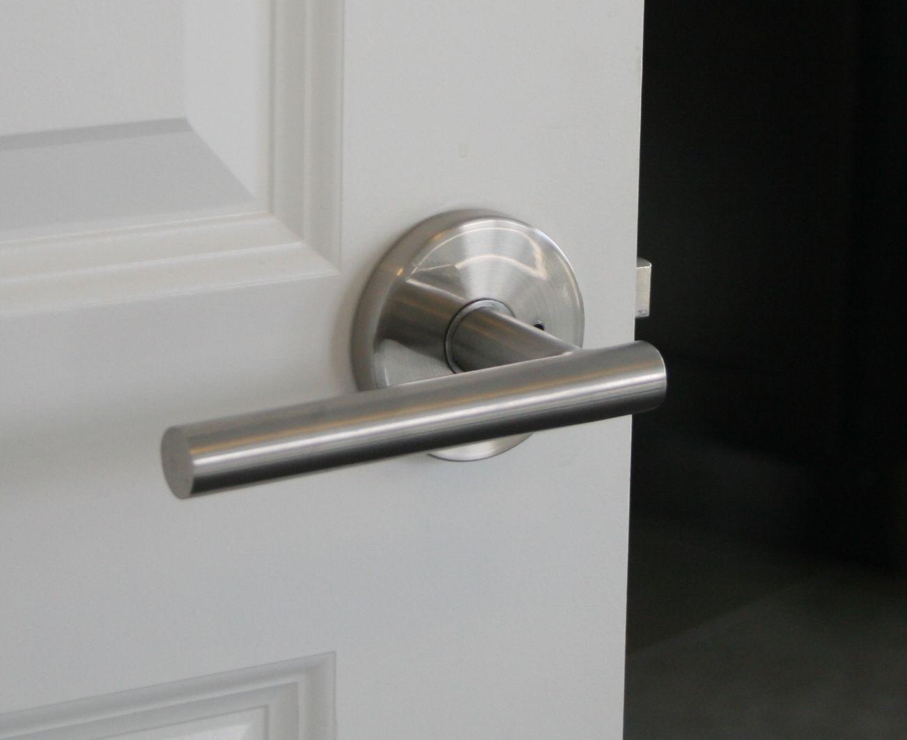 Sure Loc Door Hardware   Juneau Modern Lever Handle