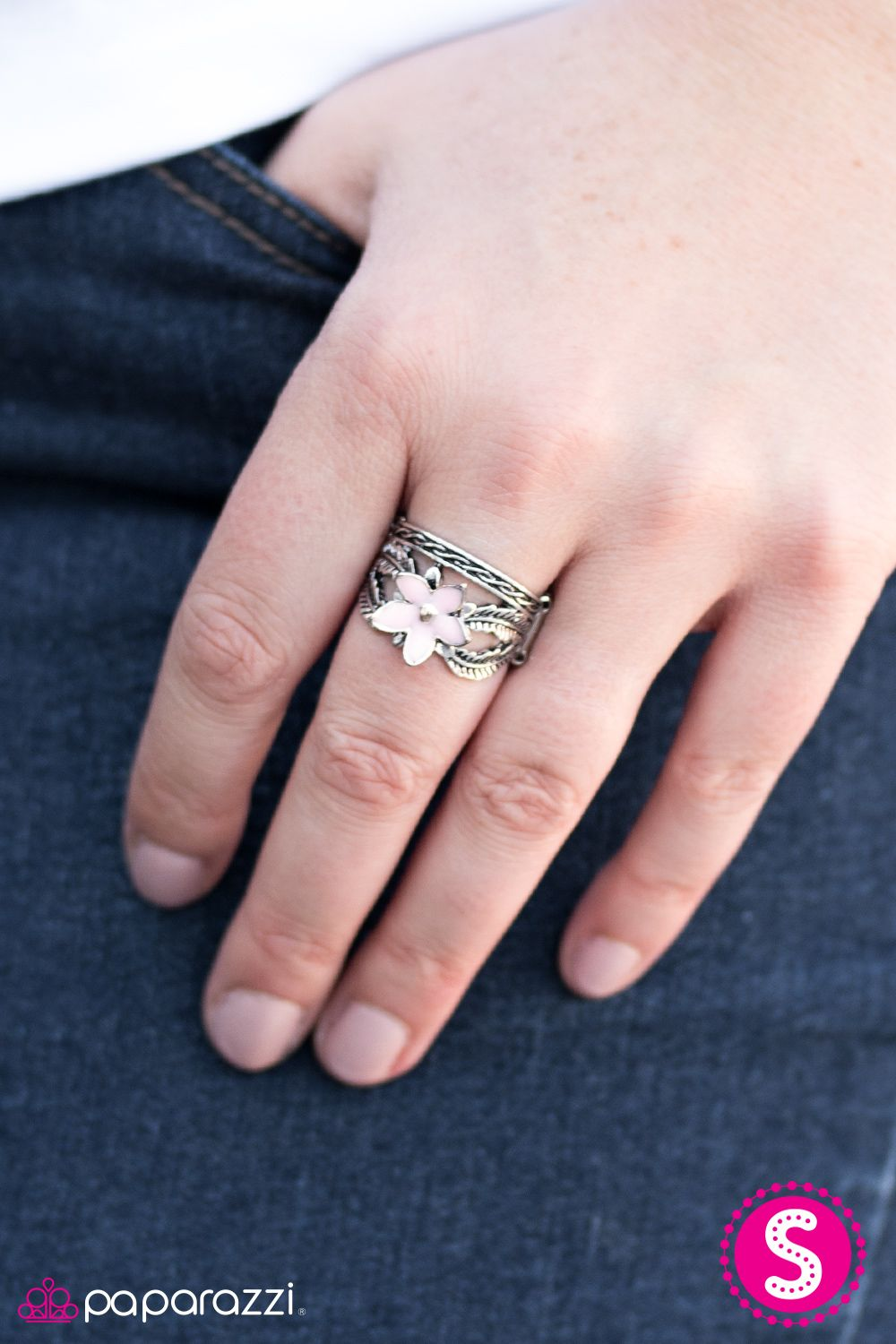 Fiji Fling - Pink All Paparazzi rings have a stretch band, so they ...