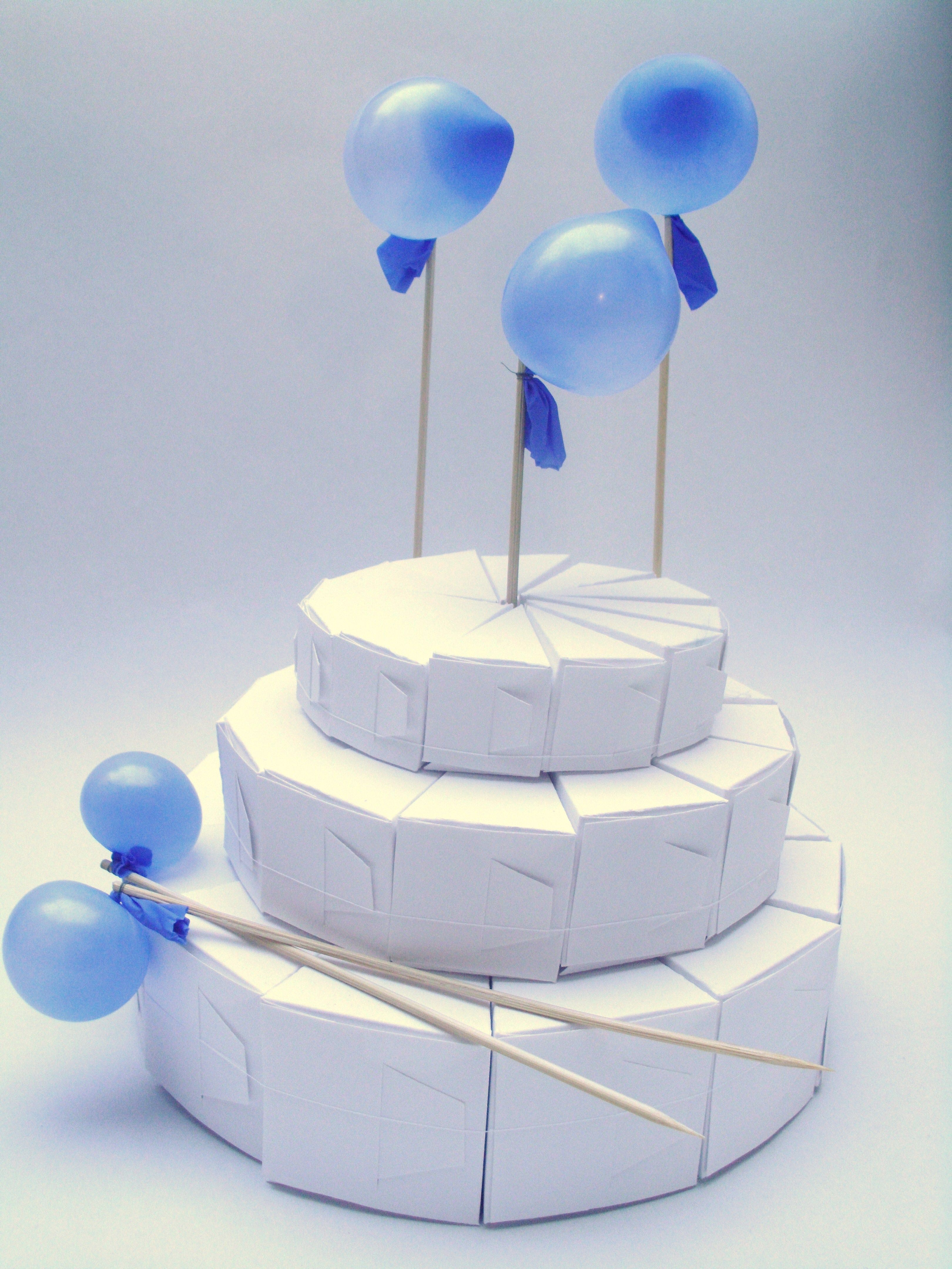 white slice cake favor boxes with latex balloons | paper cakes ...