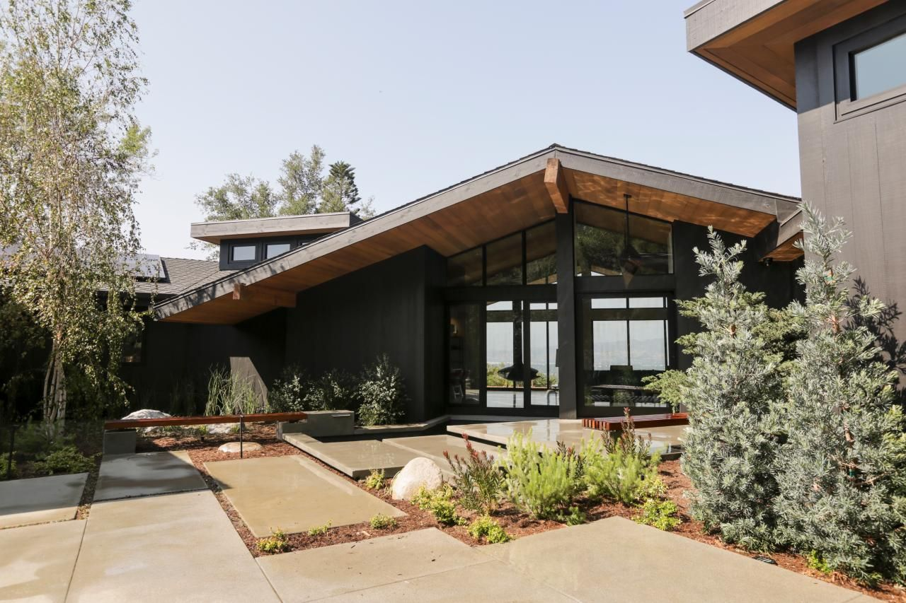Black Mid Century Fence Google Search Mid Century Modern Exterior Mid Century Modern House Modern Exterior