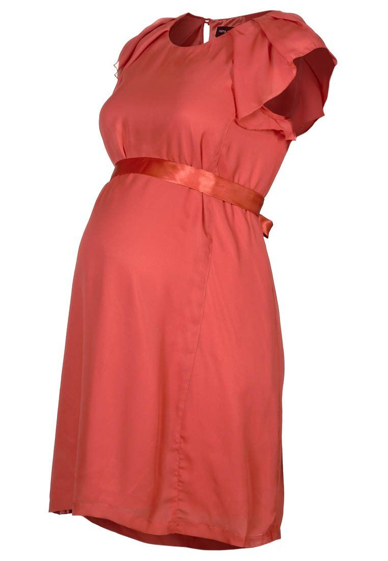 Maternity Dress Coral  http://www.hippeshops.nl/