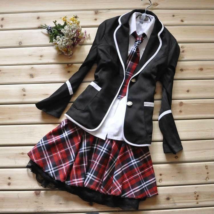 1b98732651457 Quando se pensa em uniforme escolar japonês (feminino)