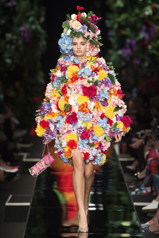 Moschino Spring 2018 Ready-to-Wear Fashion Show | Fashion ...
