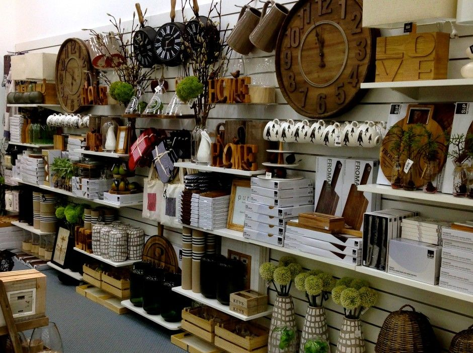 Slat Wall Display Shops Amp Cool Displays In 2019 Slat