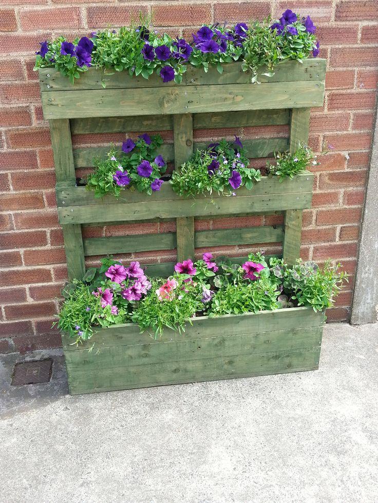 Une palette de fleurs pour d corer son jardin 20 id es pour vous inspirer palette fleur - 50 astuces pour decorer son jardin ...
