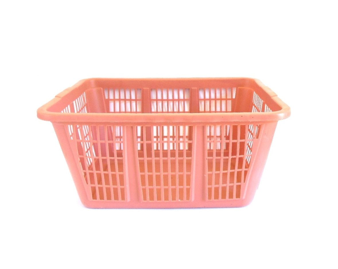 Pink Plastic Laundry Basket New New To Lauraslastditch On Etsy Rubbermaid Clothes Basket Plastic Inspiration Design