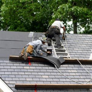 When Is The Best Time To Replace Your Roof In Minnesota Http Www Highmark Exteriors Com Roofing When Is T Roof Repair Emergency Roof Repair Roof Leak Repair