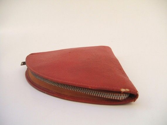 b5a9069bf2d5 v I n t a g e Red On the Go Sewing Kit Zippered Pouch