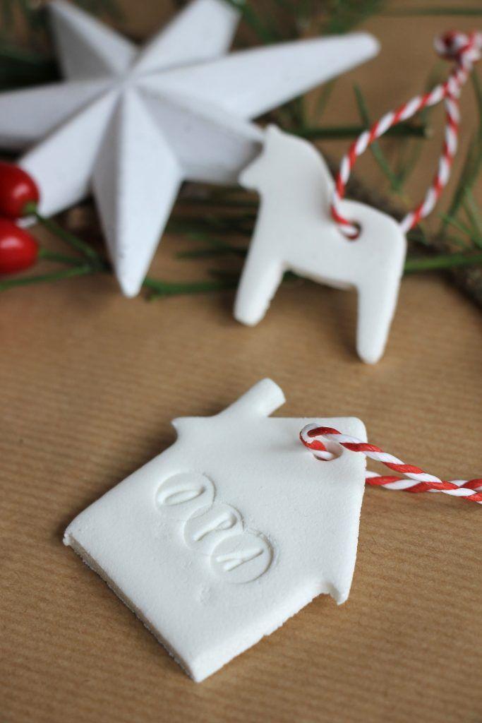 DIY: Kaltporzellan-Geschenkanhänger selber machen ... ideen die man sich zu weihnachten wünschen kann #ideen #weihnachten #wunschen