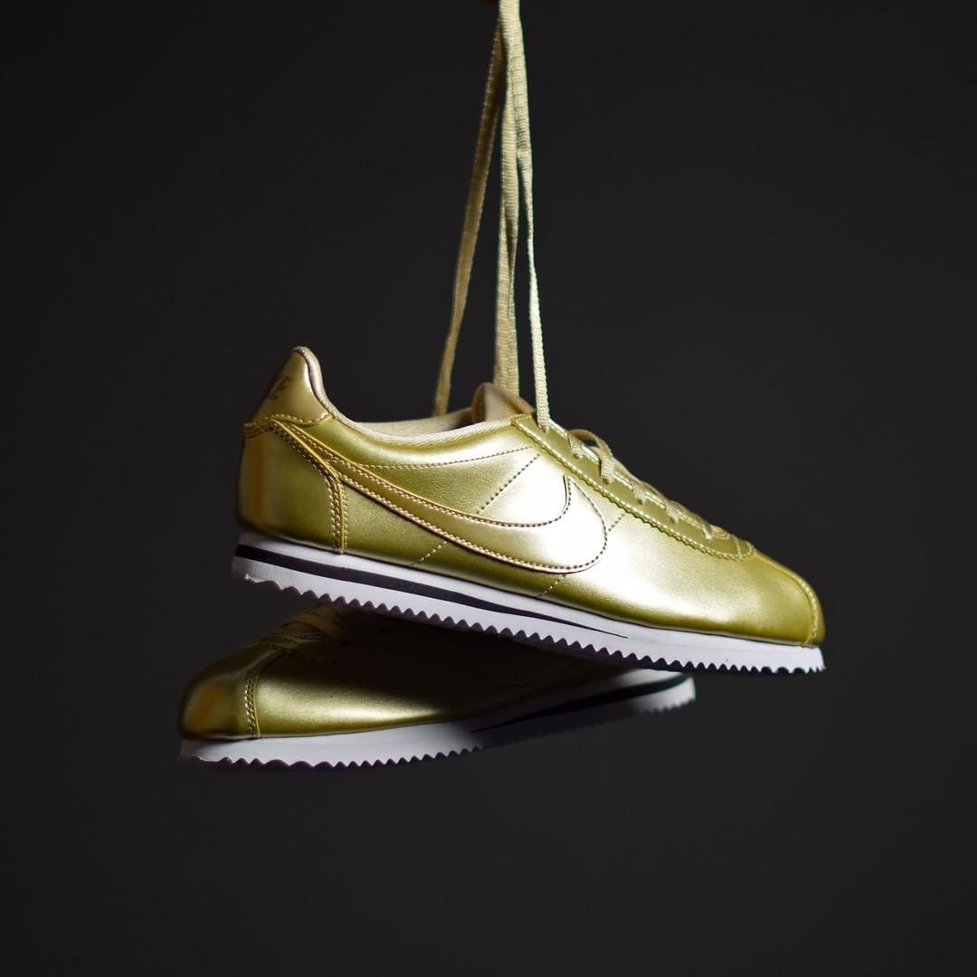 Nike Cortez Available Gold pour femme Disponible Available Cortez d3b181