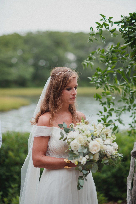 Marthas Vineyard Wedding Lesfleurs 10 Jpg Marthas Vineyard Wedding Garden Wedding Flowers Backyard Wedding