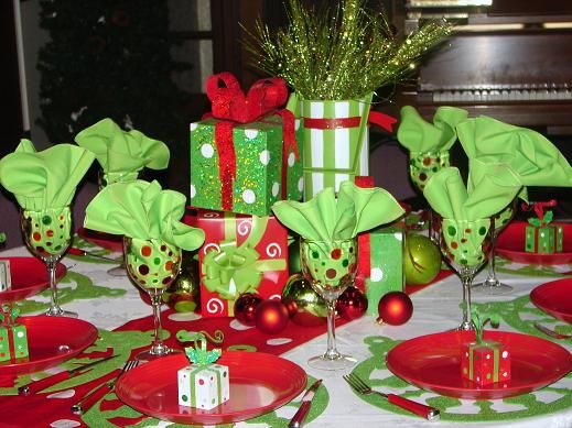 whimsical christmas table decorations | Purposefully Whimsical: Tablescape-palooza
