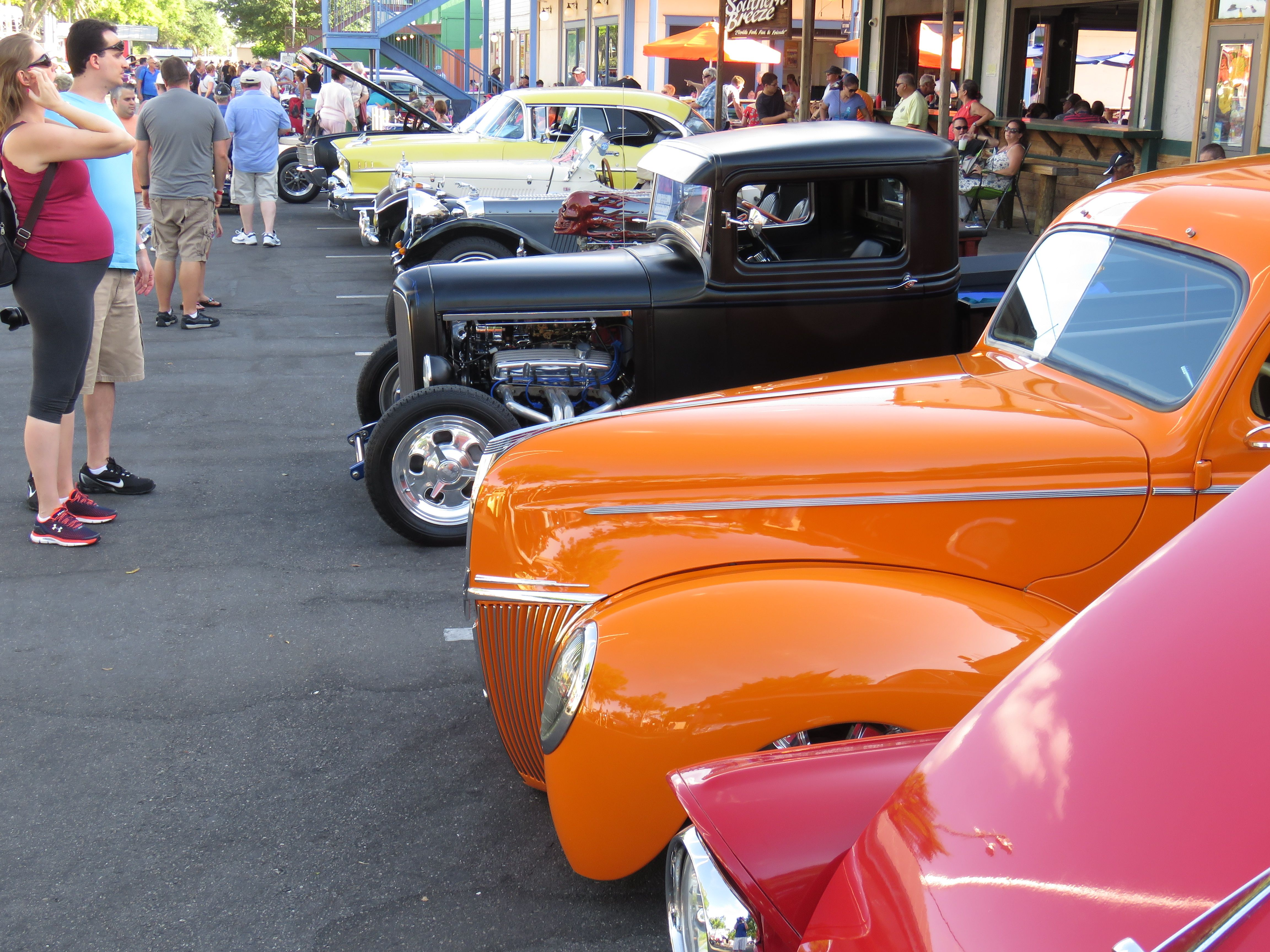 Saturday Nite Classic Car Cruise Old Town USA Classic