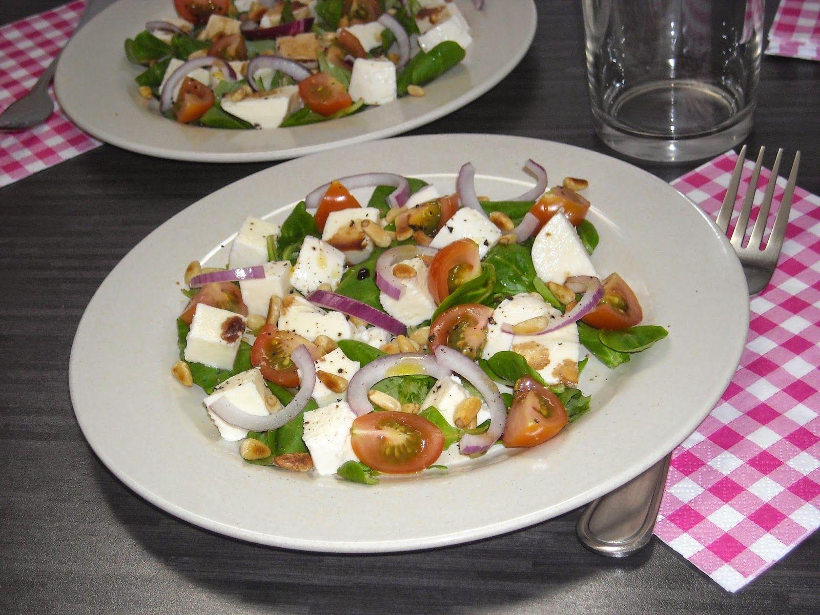 Jennifer's kookkunsten: Salade met mozzarella, tomaten en veldsla