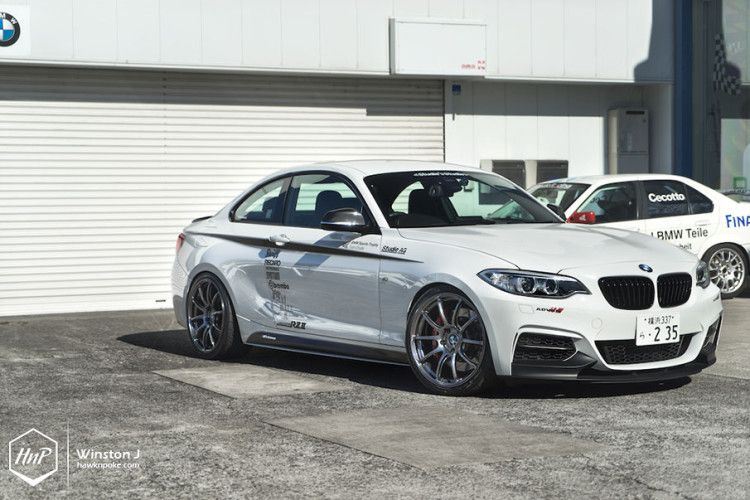 Alpine White Bmw M235i Gets Some Cool Upgrades With Images Bmw