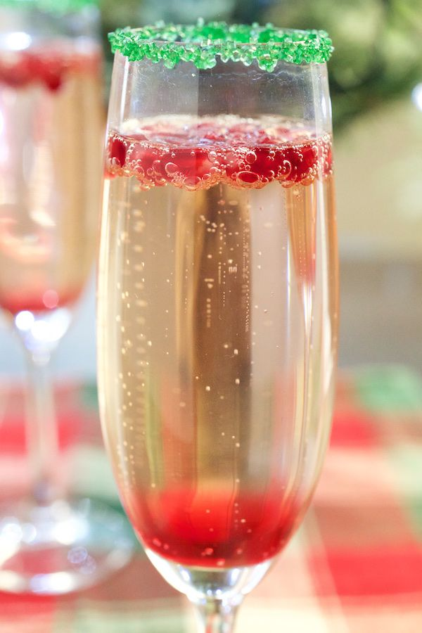 Christmas champagne cocktail recipe champagne cocktail for Christmas cocktail decorations
