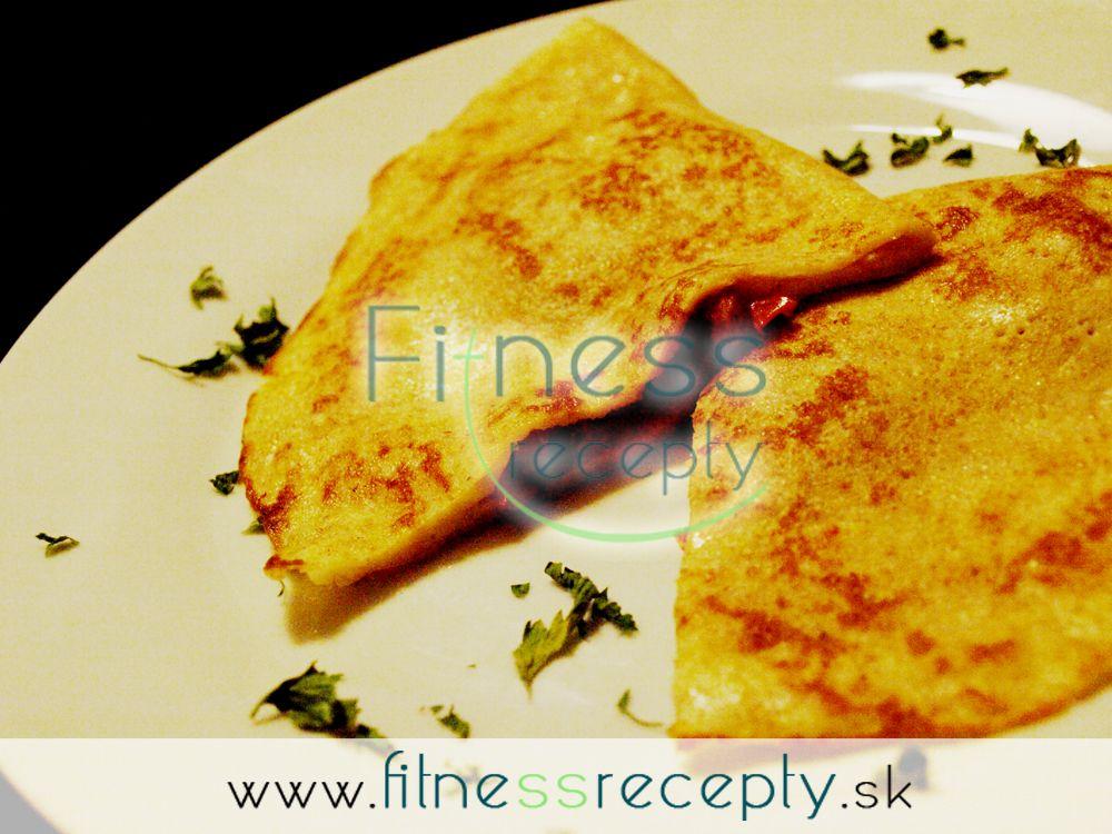 Potrebujeme (cca 5 palaciniek): 1 hrnček špaldovej múky 3 dcl mlieka 1 vajce 3 veľké paradajky 4 plátky plátkového syra (alebo iný syr) Soľ bazalka Olivový olej  Postup: 1. V miske zmiešame mlieko srozšľahaným vajcom apostupne primiešavame múku. Pridáme…