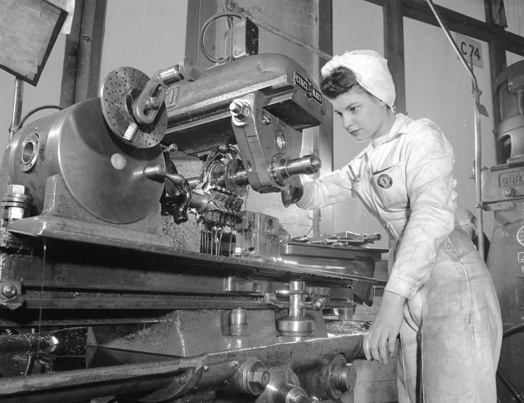 Neon Products worker, Vancouver, February 1946