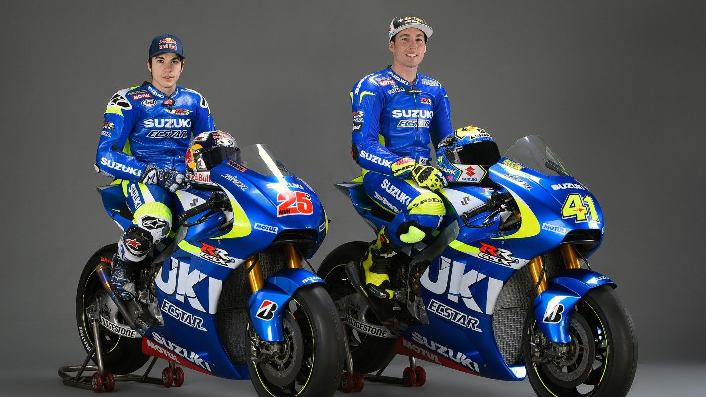 Suzuki presents 2015 motogp racer livery is reminiscent of kenny roberts jr championship year in can history repeat itself