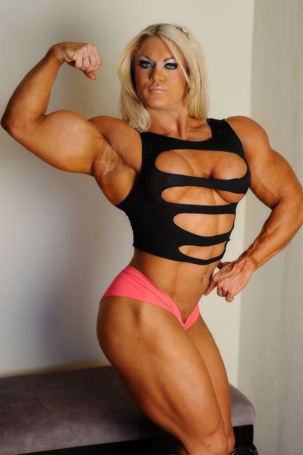 sexy-christmas-female-bodybuilders