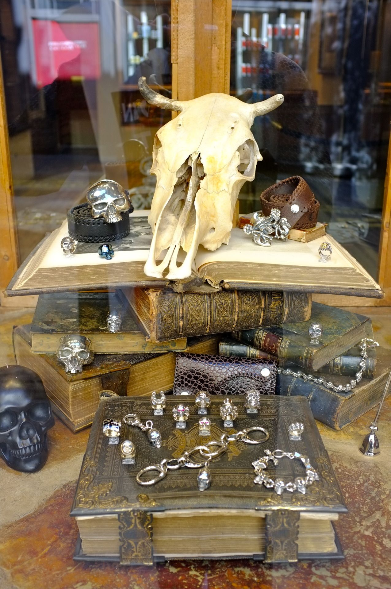 Occult window display of a Heavy Metal jewelry shop in Covent Garden ...