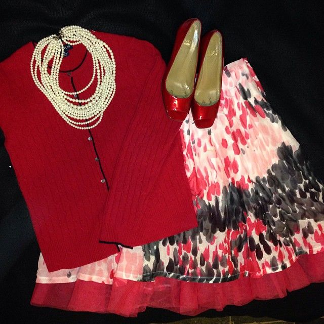 14 Days of Valentines. Day 1. All about red and romance. Fabulous skirt from MM Couture. Red sweater from Ann Taylor. Shoes and necklace from my closet. #thriftscoring #thriftstore #valentinesday #valentinesdayoutfit #mmcouture #anntaylor