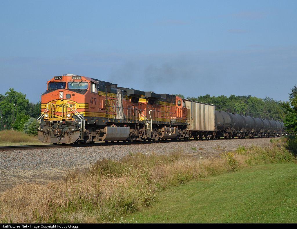 RailPictures.Net Photo: BNSF 4777 BNSF Railway GE C44-9W (Dash 9-44CW) at Aurora, Illinois by Robby Gragg