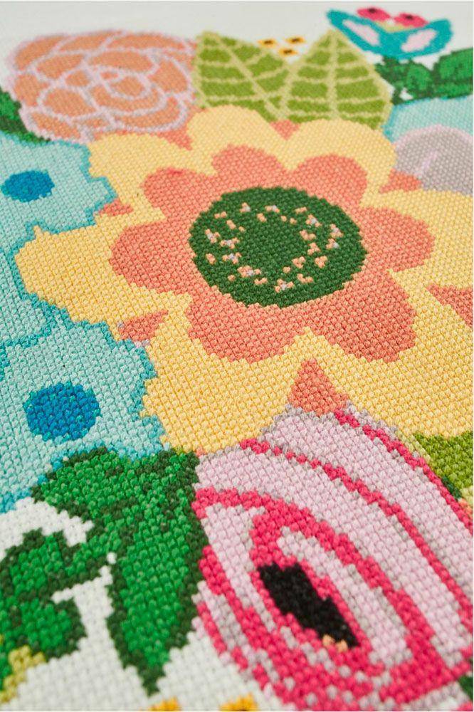 rencontre-avec-creatrice-Gulush-threads-pour-DMC-bouquet-de-fleurs
