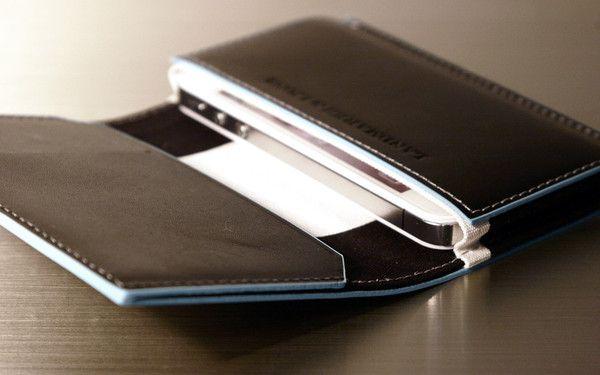 Quantum iPhone 5/4/4s Wallet