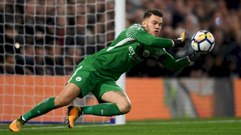 Ederson: I Would Play Outfield If Asked!