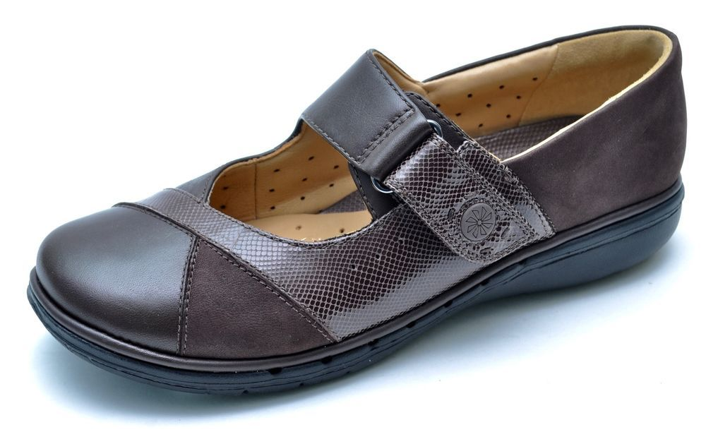 Clarks Unstructured UN.SWAN Brown Leather Mary Janes Women's 6 Wide - NEW #Clarks #MaryJanes #Casual