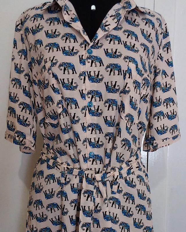 Mesmo modelo da camisa anterior, mas em viscose de elefantinhos lindos!!!! Encomende a sua!! #costureira #campinas #ateliemaisonlouize #luizamiachon #chemise #elefantes #azuis