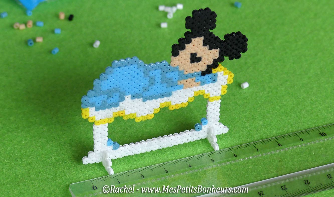 marque place bapt me th me disney b b mickey perle hama pinterest marque place perles. Black Bedroom Furniture Sets. Home Design Ideas