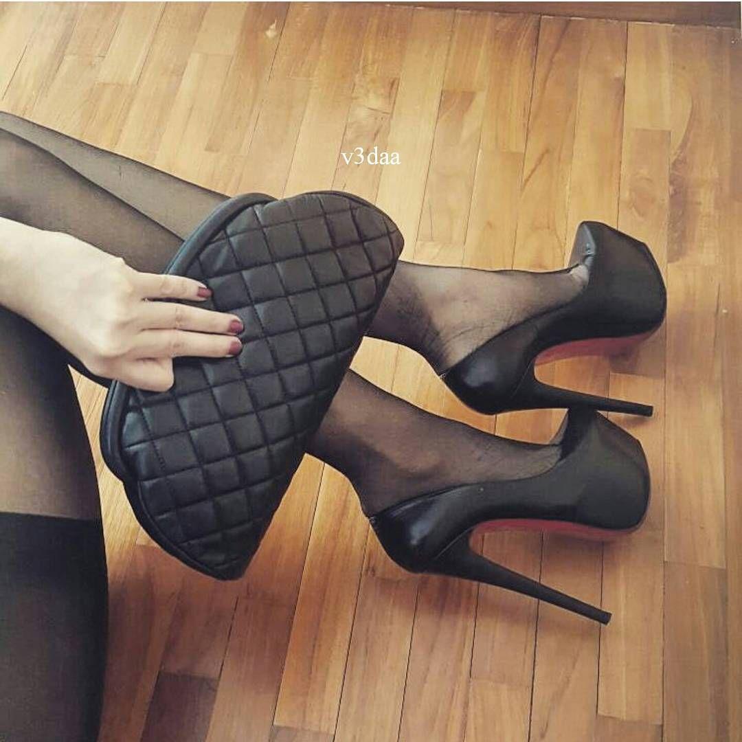 Бесплатно любительницы подразнить ножками фото 420-384